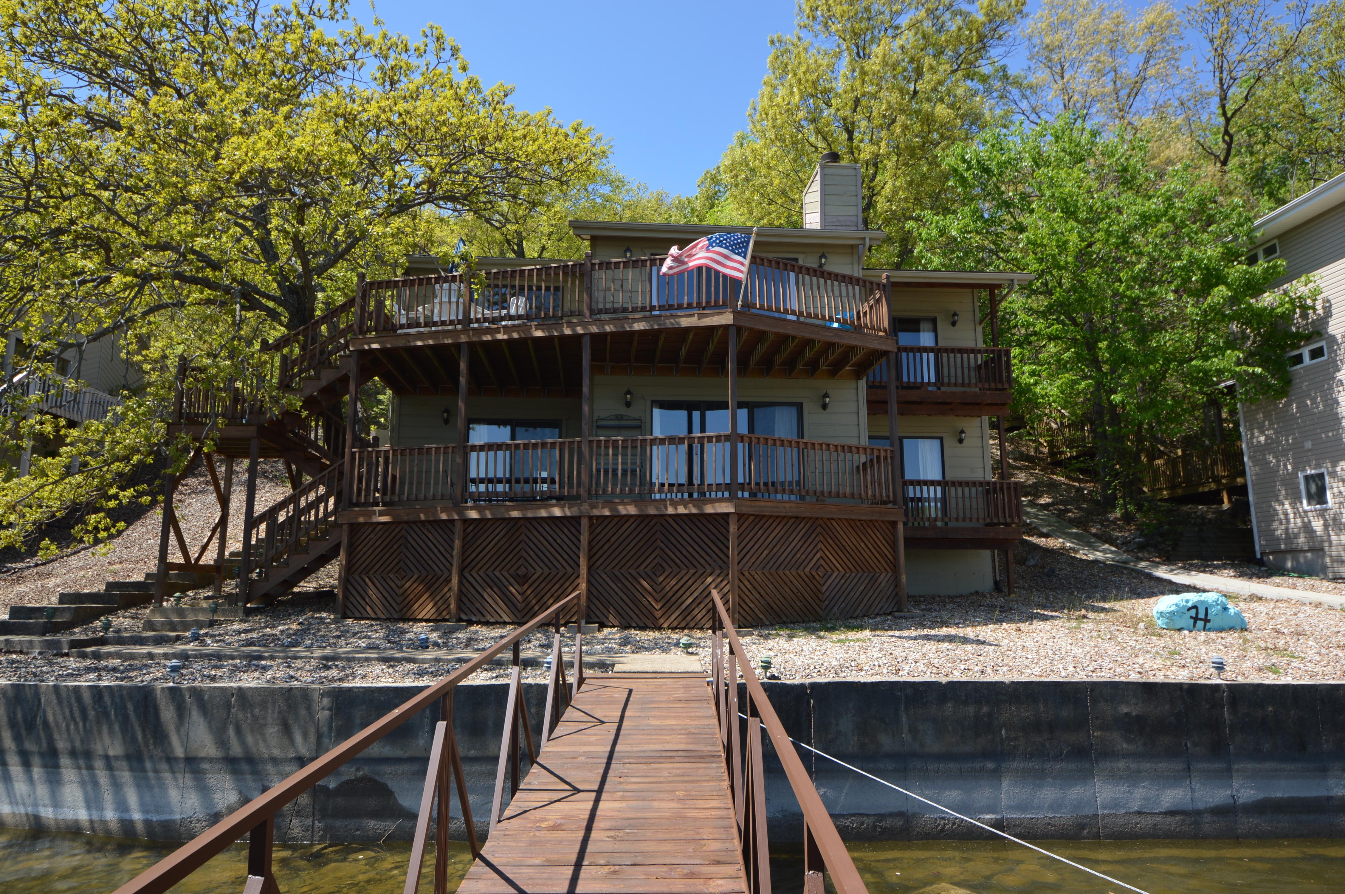 Real Estate At The Lake