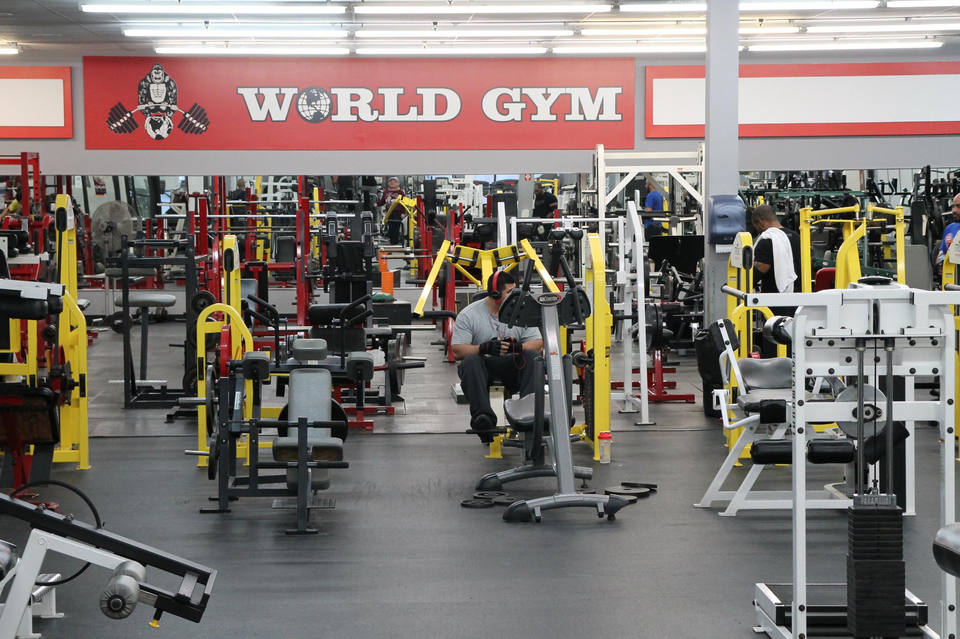 world gym highland in highland in 46322. Black Bedroom Furniture Sets. Home Design Ideas