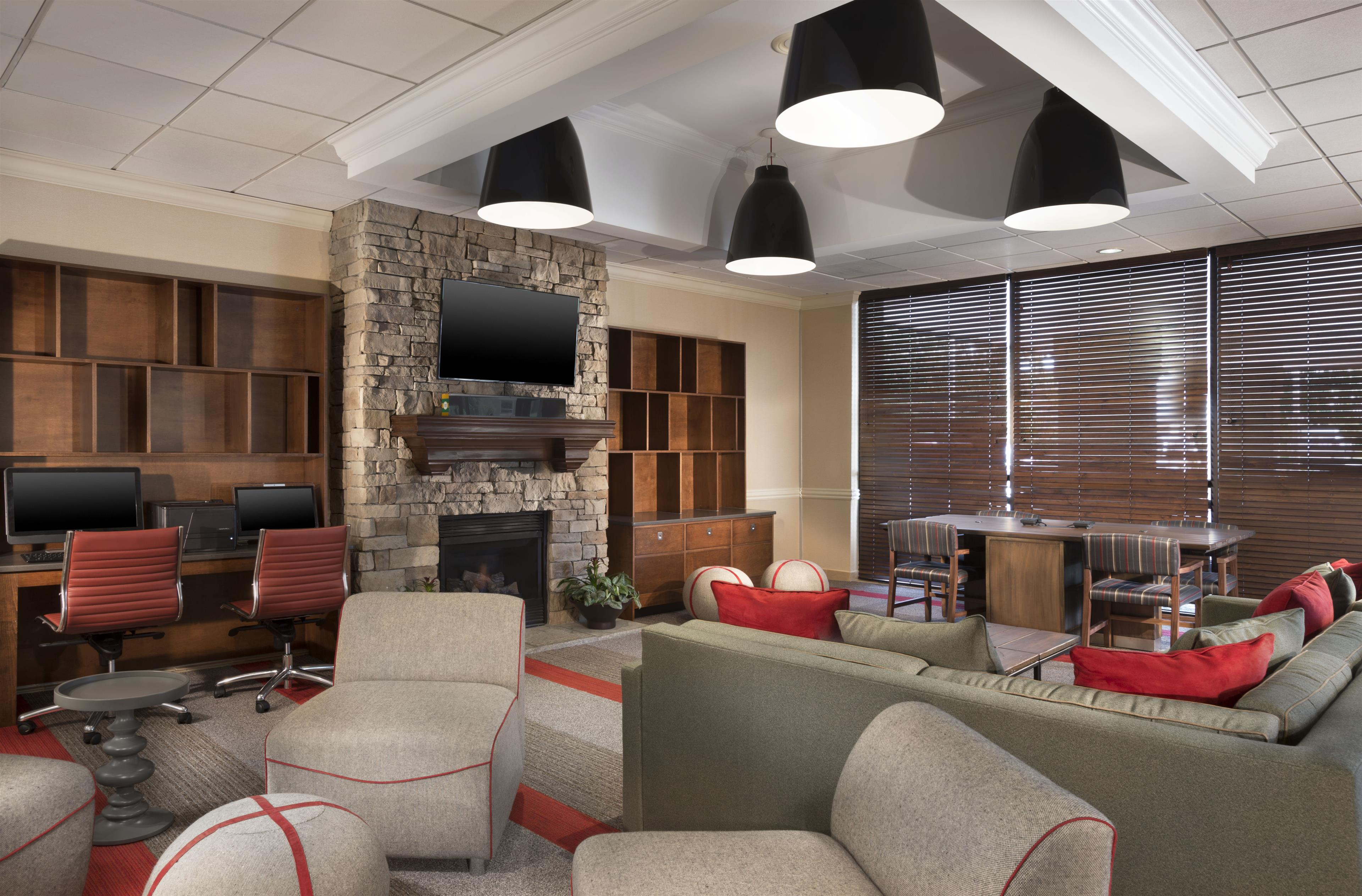 Etrip - Four Points by Sheraton Kansas City AirportOnly trusted providers· Best price guarantee· Over hotels· Search with just 1 clickAmenities: Free Wi-Fi, Parking, Fitness Room / Gym, Bar / Lounge.
