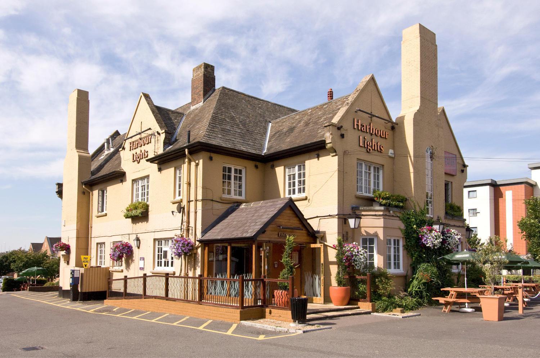 Beefeater restaurant exterior Premier Inn Portsmouth North Harbour hotel Portsmouth 03333 218332