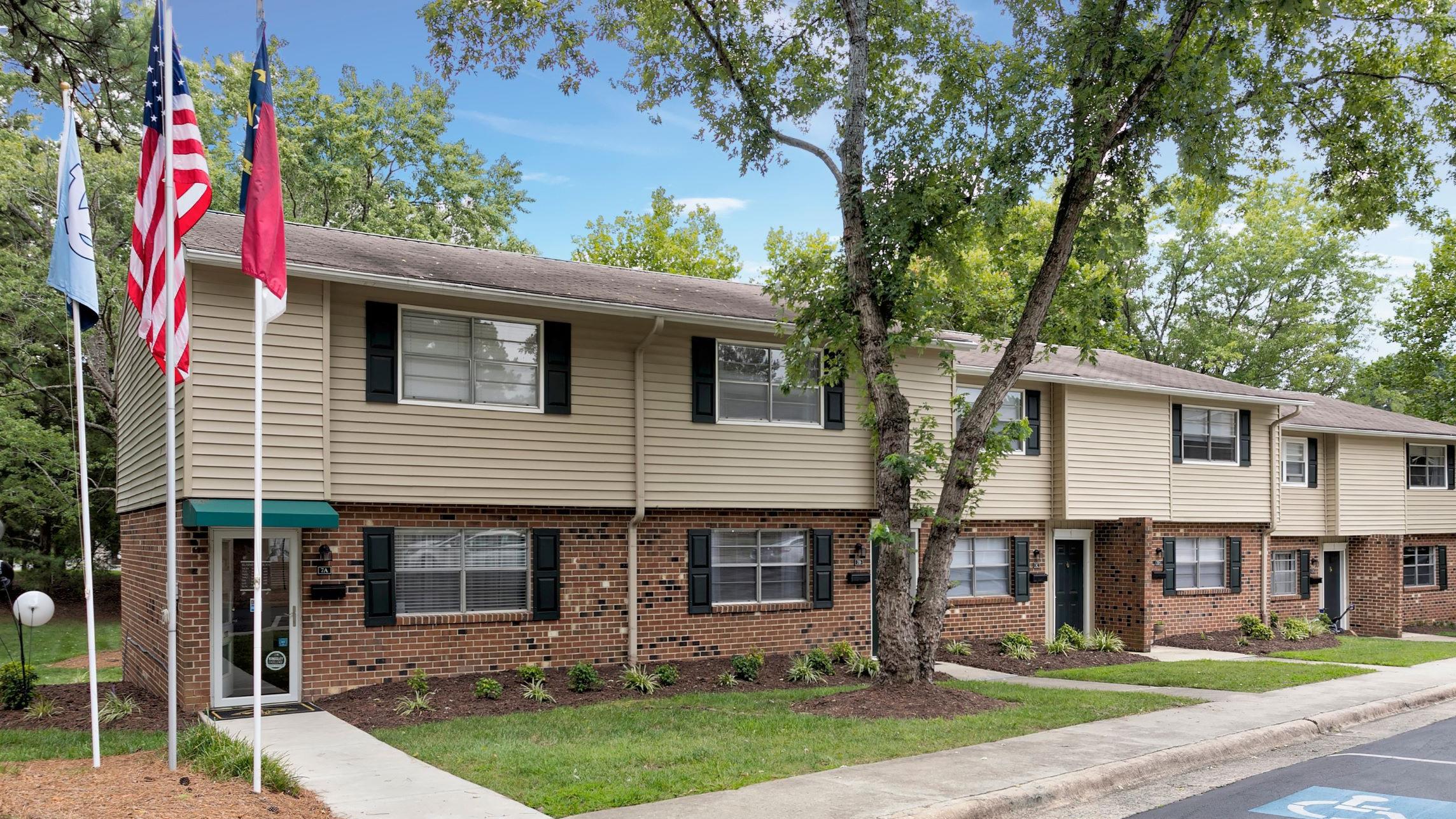 Booker Creek Townhouse Apartments reviews | Apartments at 2525 Booker Creek Road  Apt 7 A - Chapel Hill NC