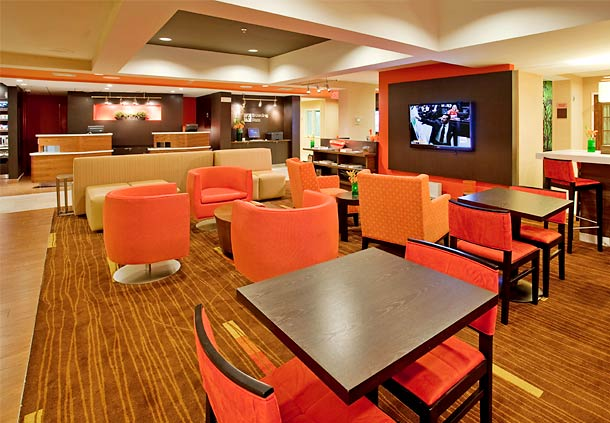 Courtyard by Marriott Houston The Woodlands image 2