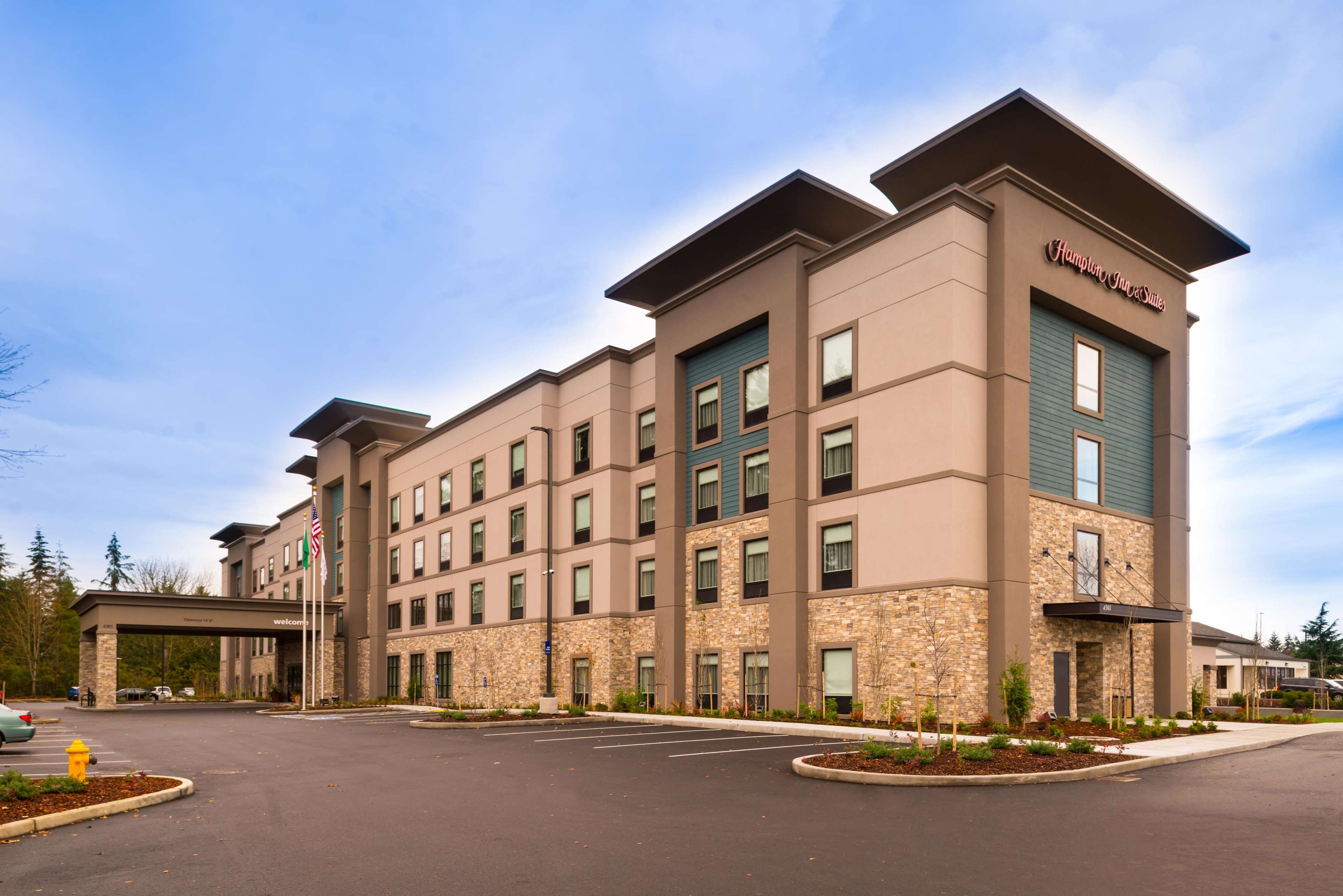 Hampton inn suites olympia lacey coupons near me in for Hotels 8 near me