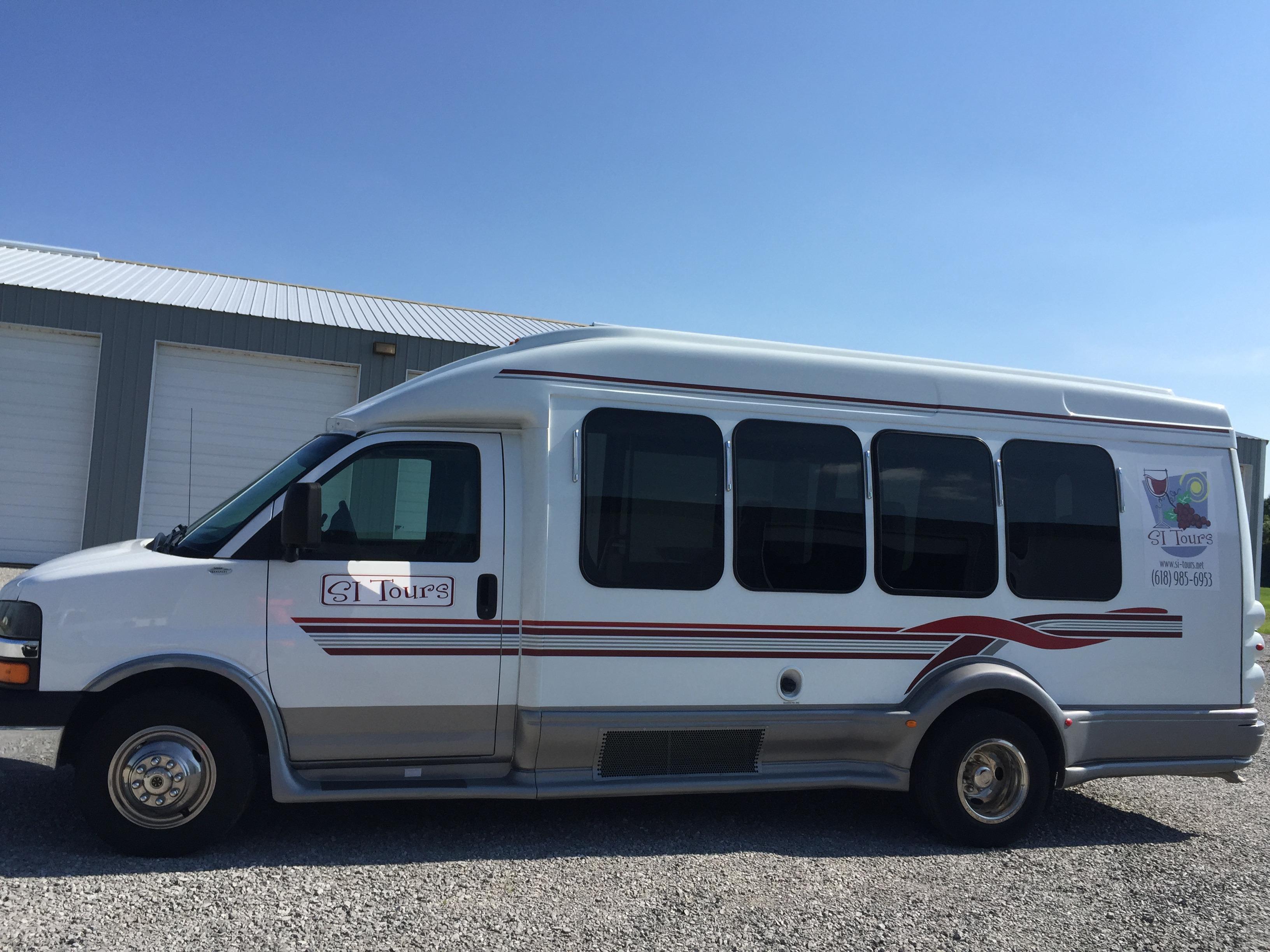 Southern Illinois Wine Tour Bus