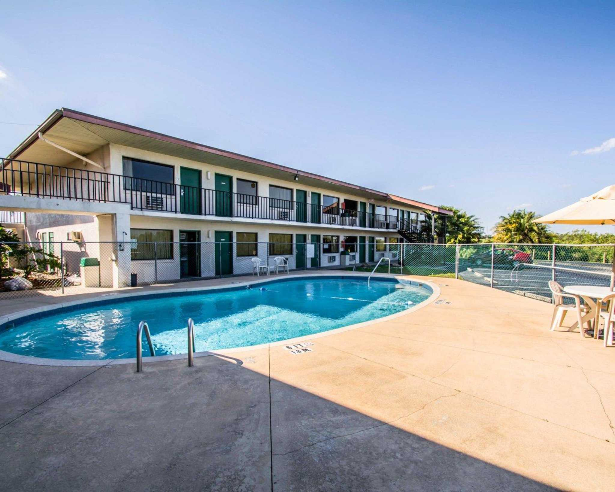 Hotels Near Sebring Fl