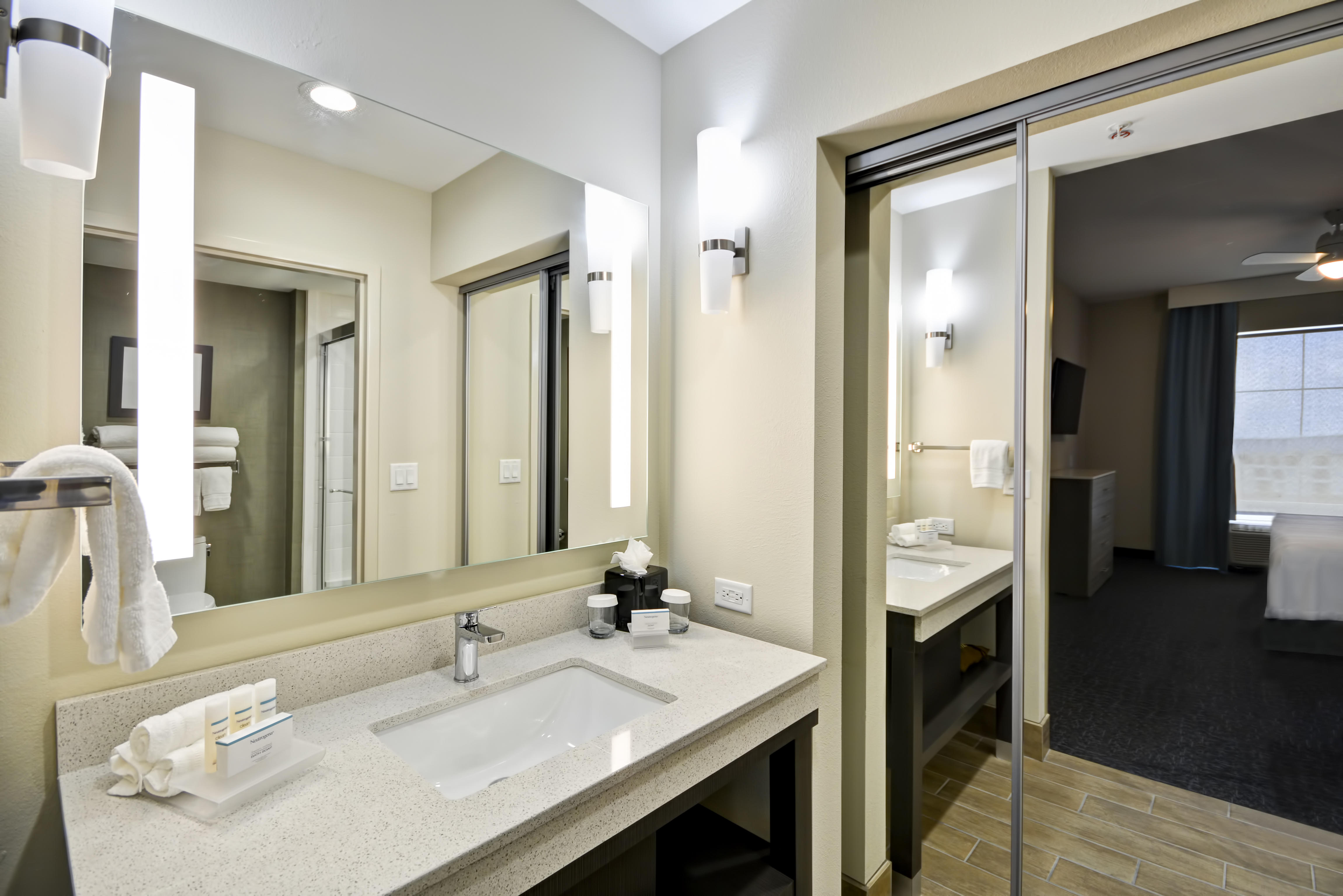 Homewood Suites By Hilton Orlando Convention Center South Coupons Near Me In Orlando 8coupons
