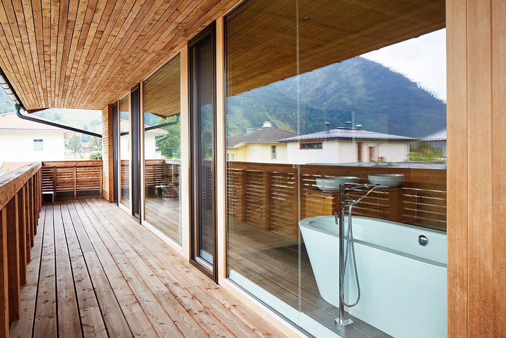 t ren in n rnberg. Black Bedroom Furniture Sets. Home Design Ideas