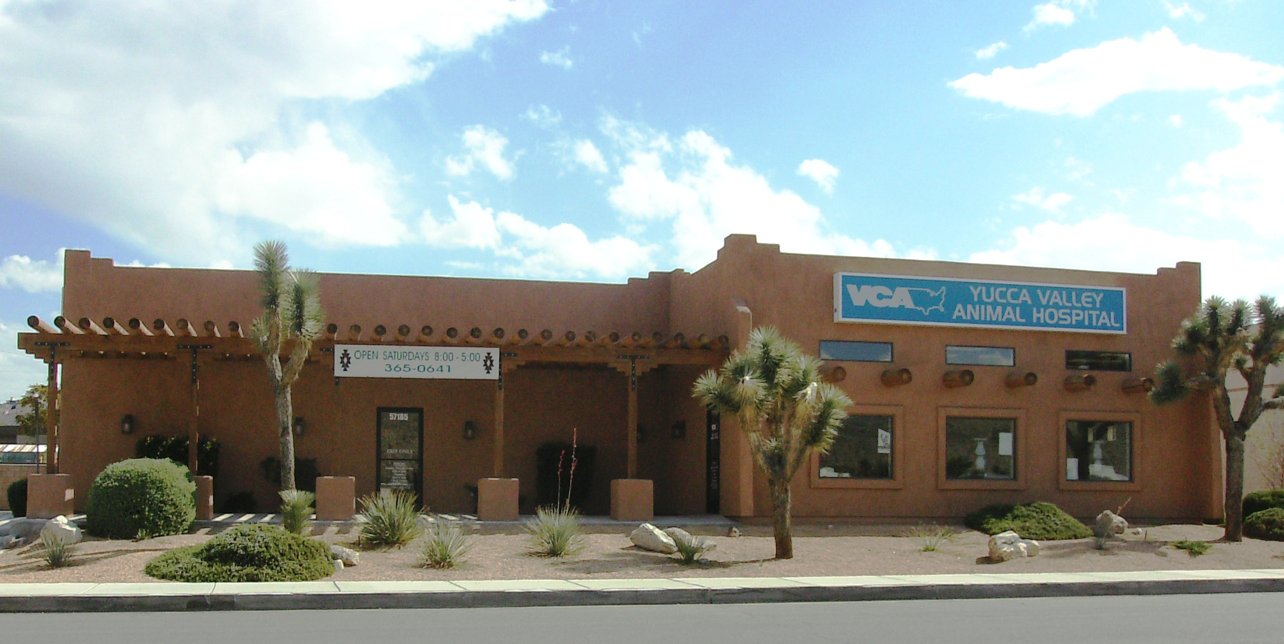Vets in CA Yucca Valley 92284 VCA Yucca Valley Animal Hospital 57185 29 Palms Hwy (760)983-7097
