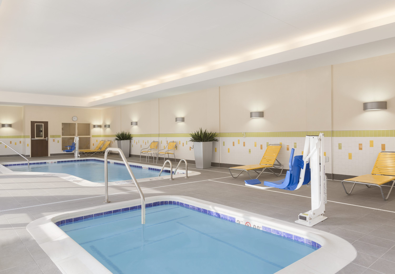 Fairfield inn suites by marriott pittsburgh airport for Ikea pittsburgh pennsylvanie