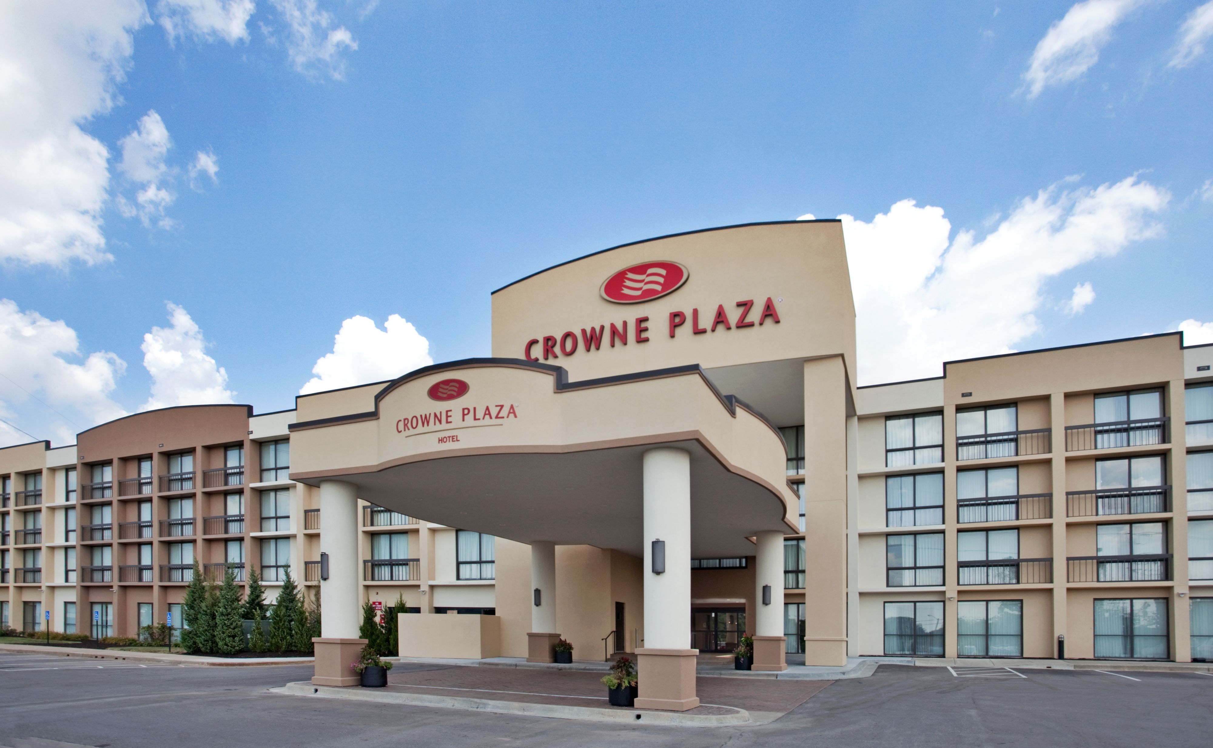 crowne plaza indianapolis airport indianapolis indiana. Black Bedroom Furniture Sets. Home Design Ideas