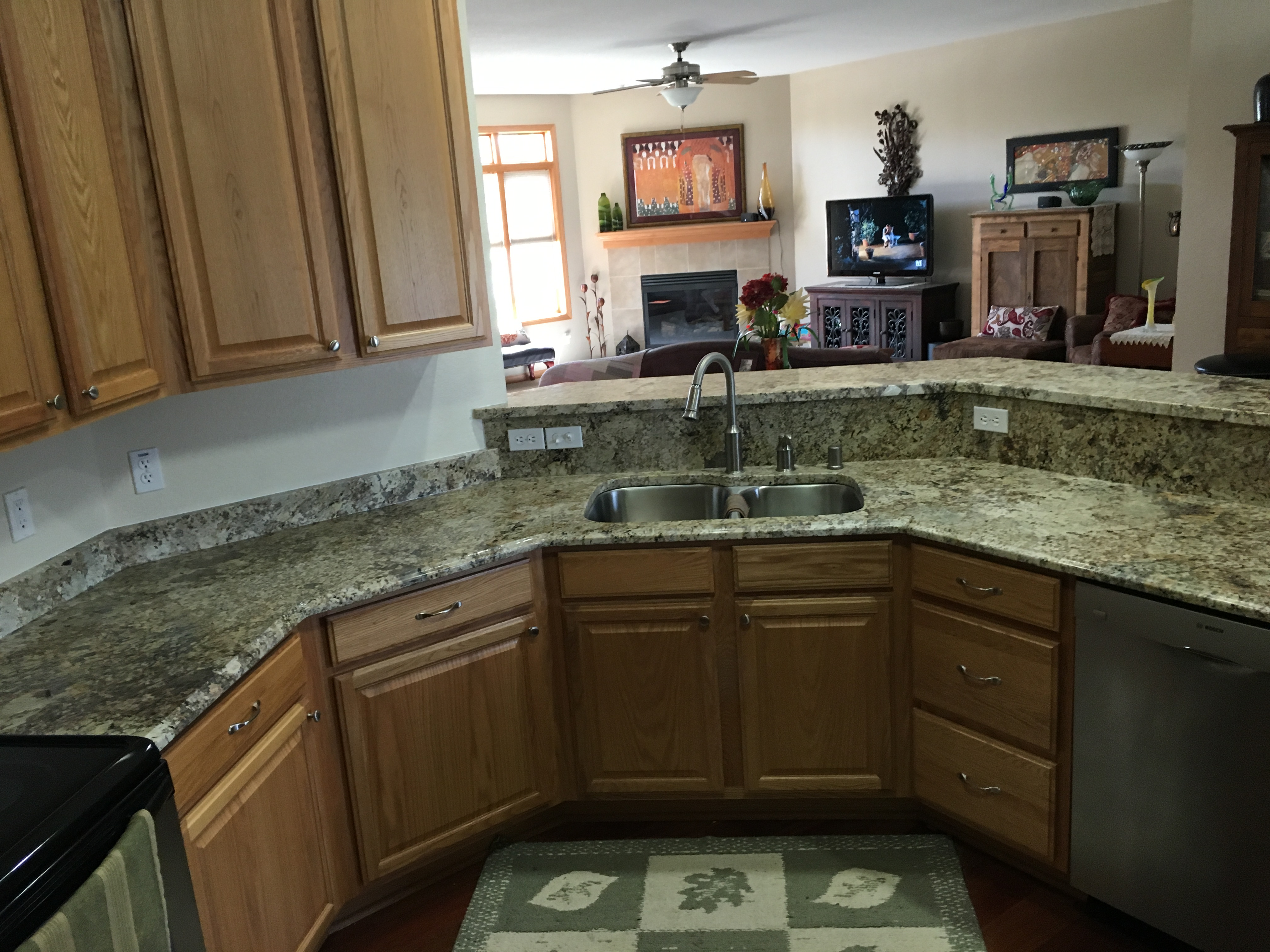 Kenosha racine granite in kenosha wi 53140 for Bath remodel gurnee