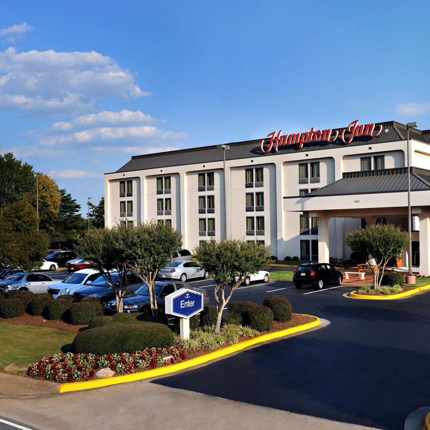 Hotels 404 And Highway 7