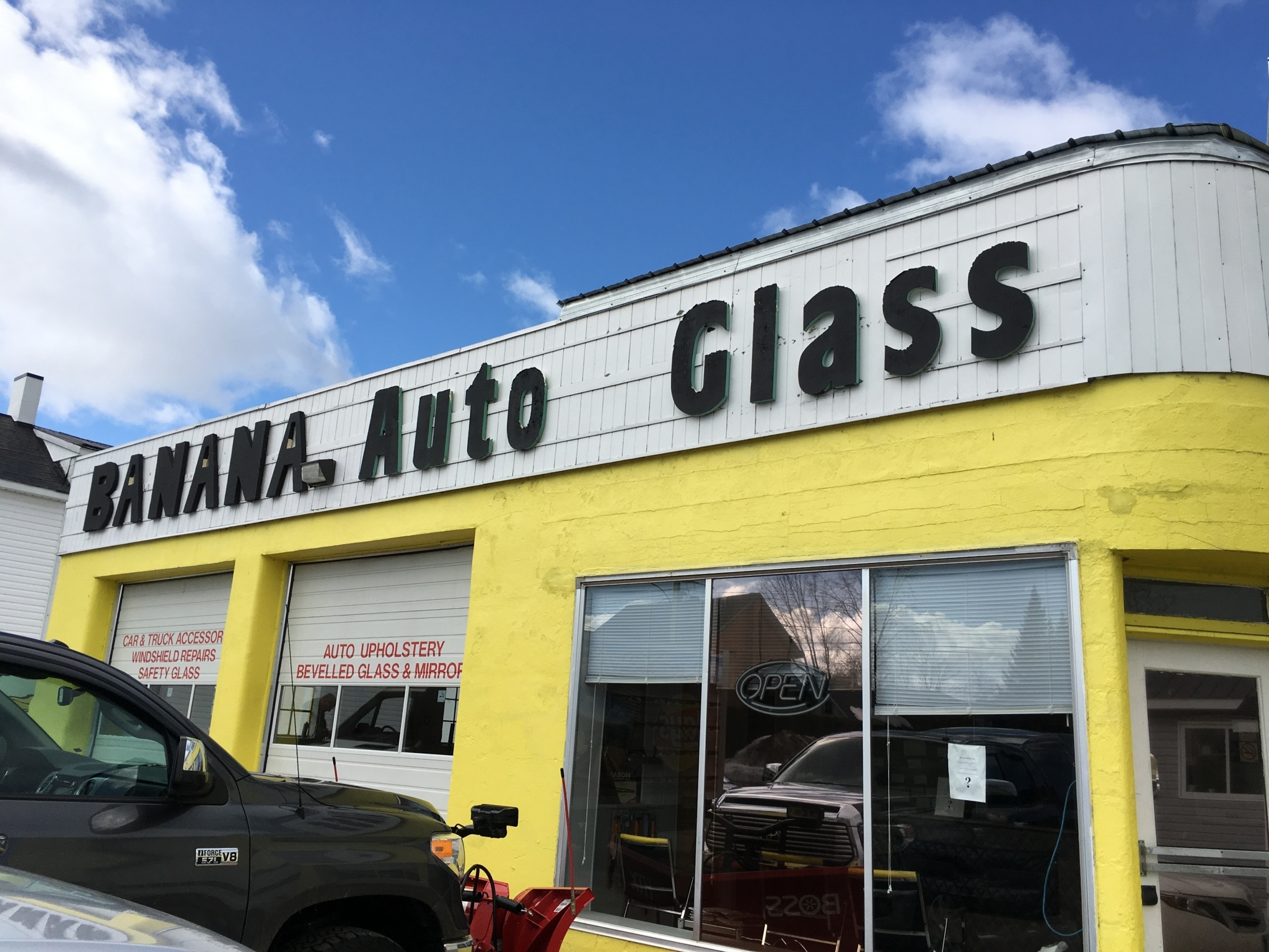 Banana Auto Glass