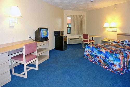 Motel 6 Buffalo - Amherst image 3