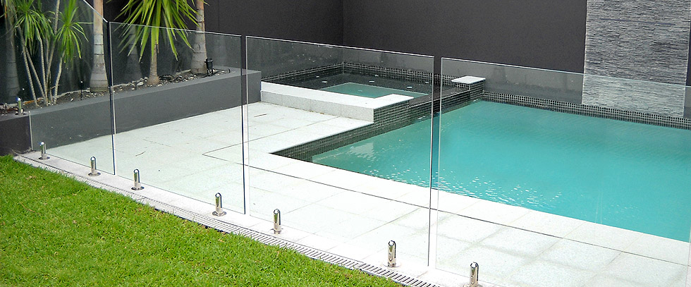 Glass Pool Fence safeguard mesh & glass pool fence company in san diego, ca 92126