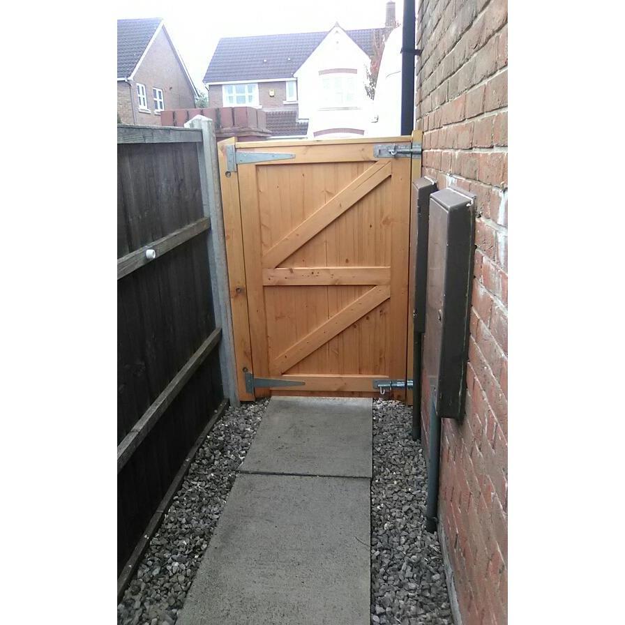 H&L Fencing & Gates - Salford, Lancashire M50 1BX - 01617 080224   ShowMeLocal.com