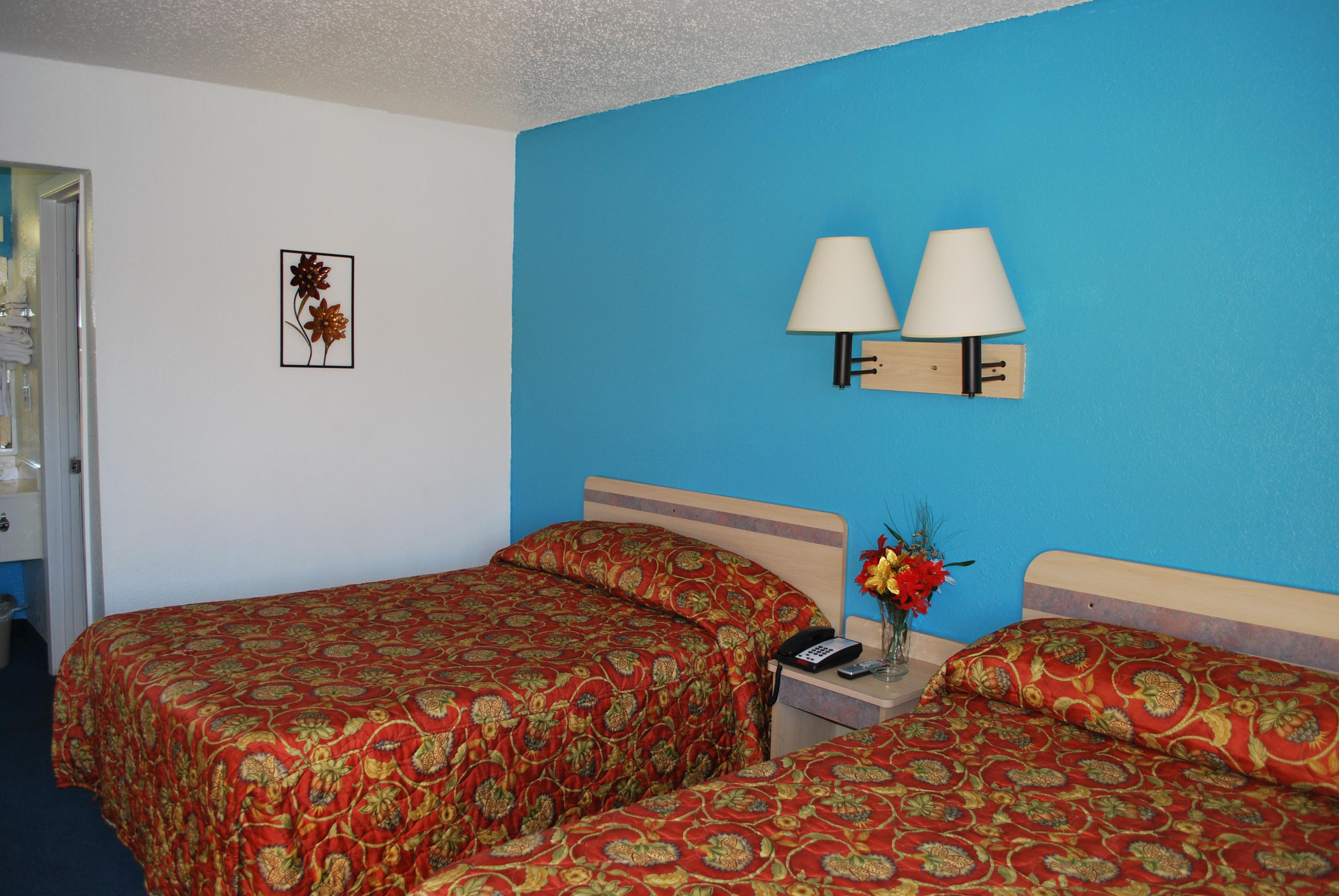 Super 7 Inn Dallas-Southwest image 6