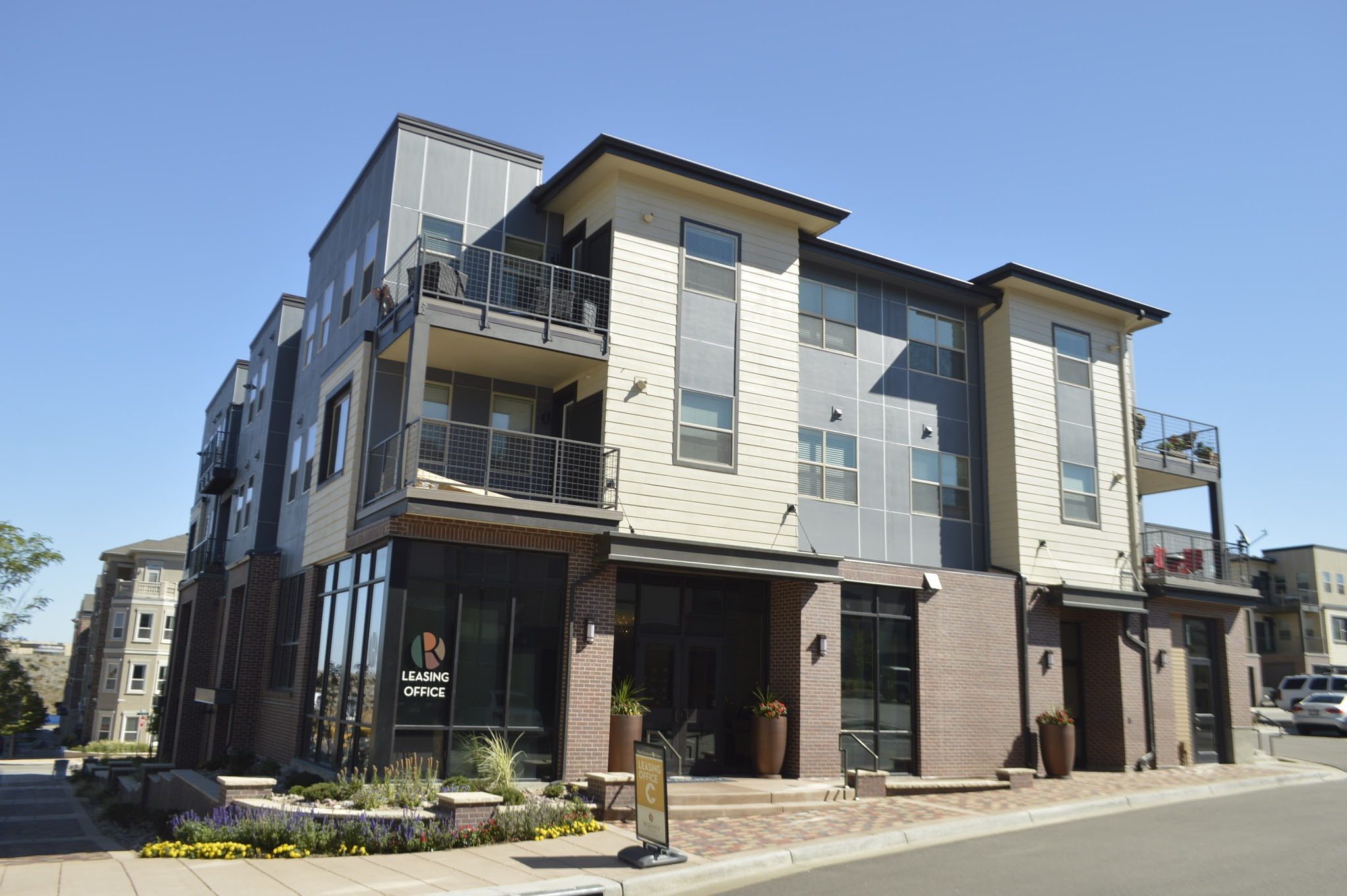 Regency Ridgegate Apartments