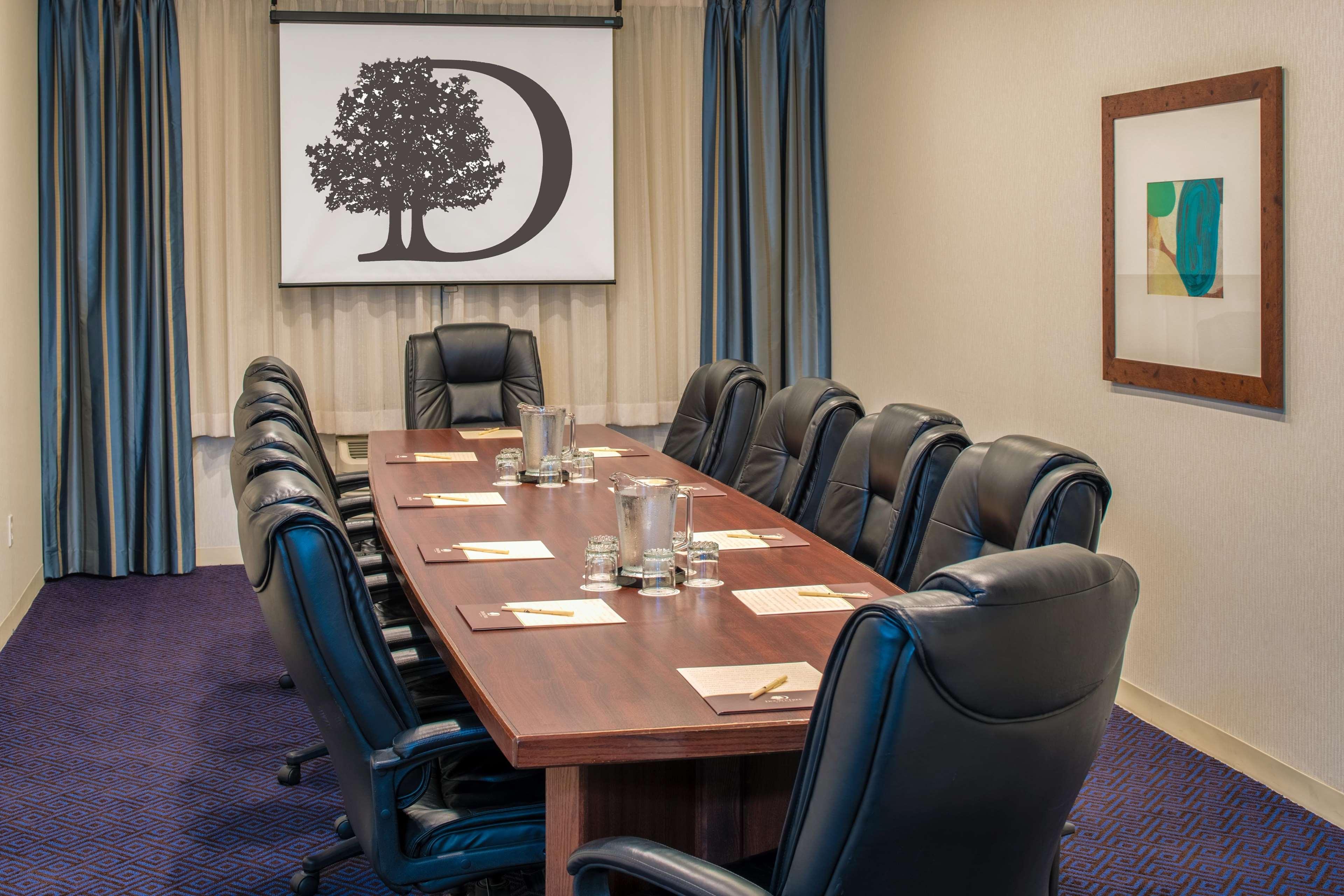 doubletree by hilton hotel salem oregon salem oregon or. Black Bedroom Furniture Sets. Home Design Ideas