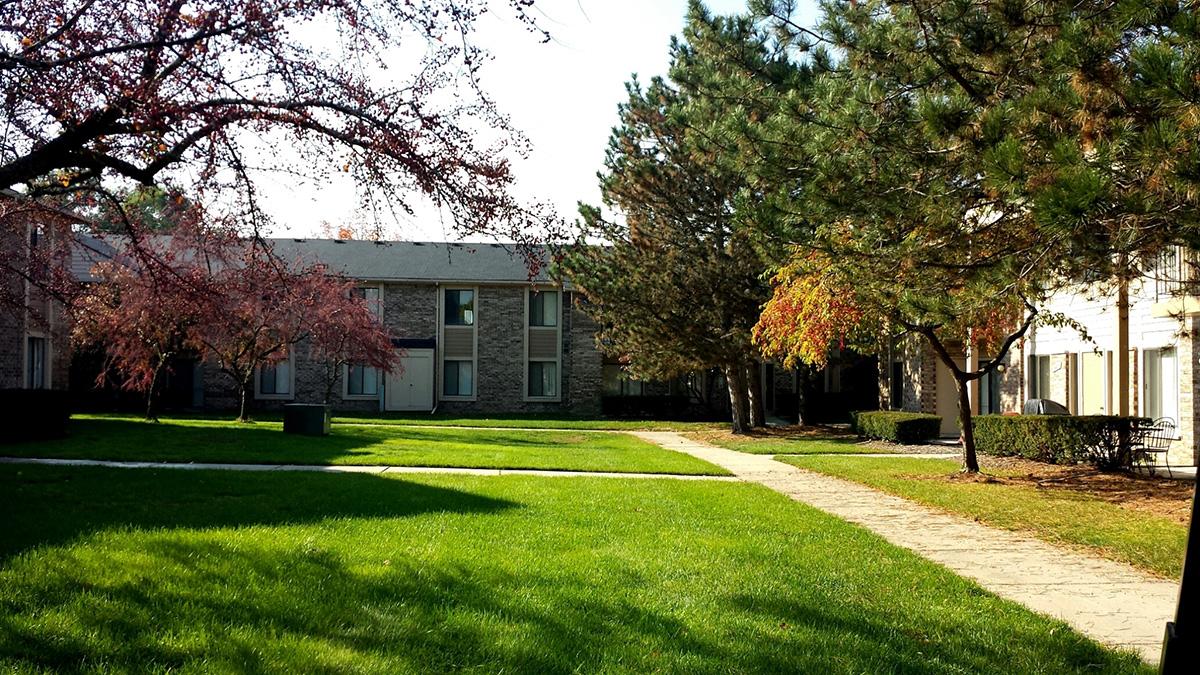 Canterbury Park Apartments Livonia Michigan Mi
