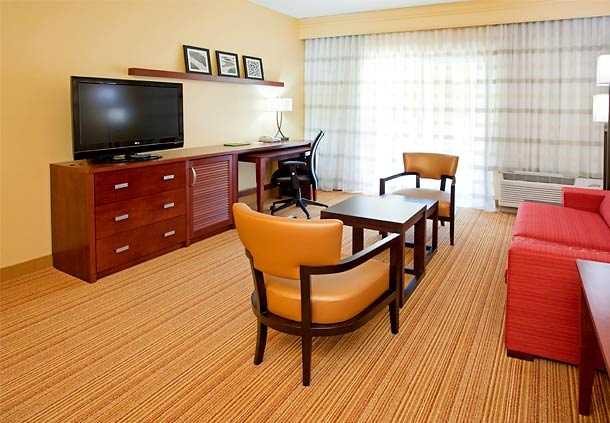 Courtyard by Marriott Houston The Woodlands image 8