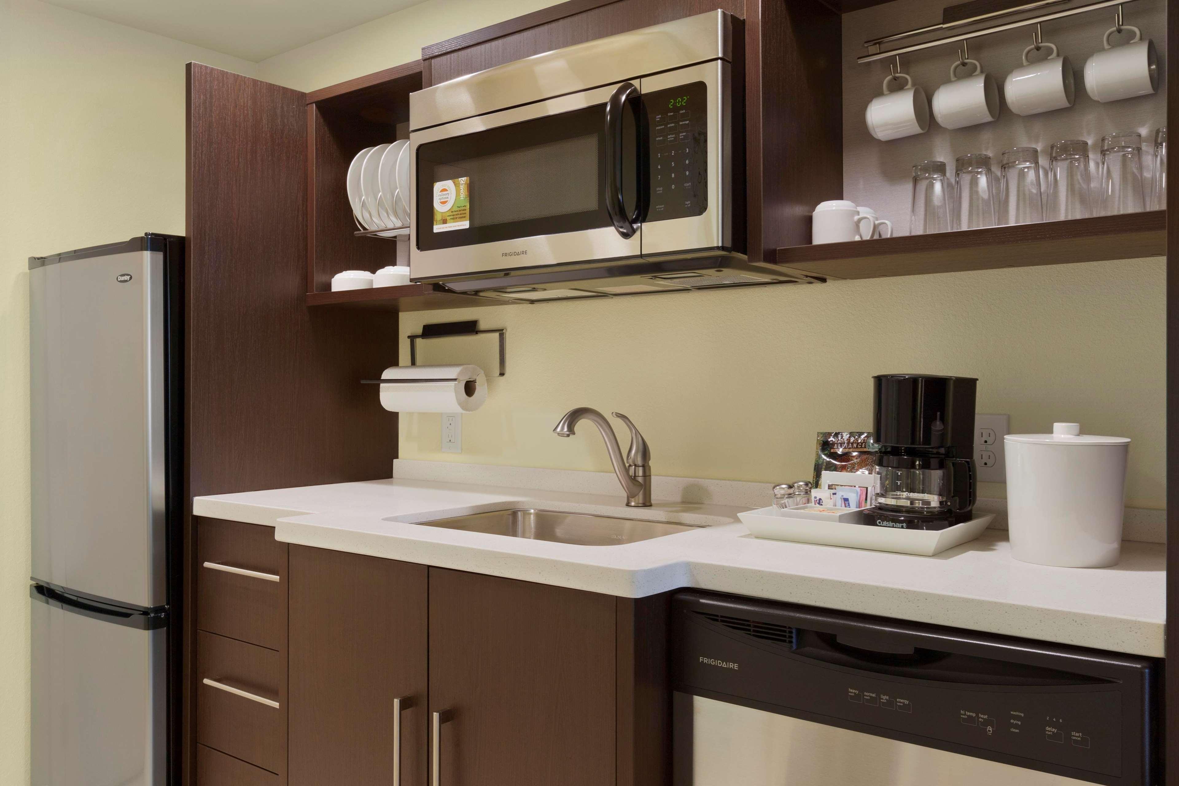 Home2 suites by hilton canton canton ohio for Table 6 kitchen canton ohio