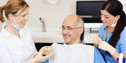 What Are the Similarities & Differences Between Dentists & Orthodontists?