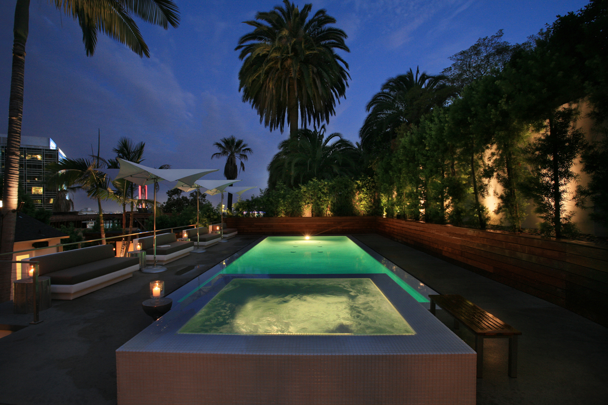 Luxe h2o infinity pool builders in beverly hills ca 90211 for Natural swimming pools los angeles