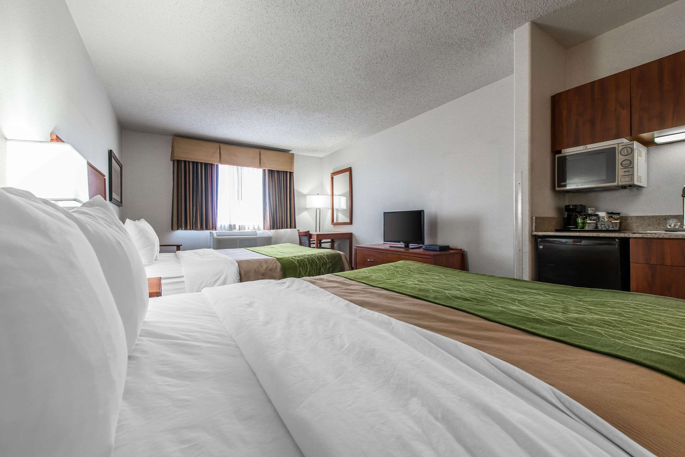 Guest room with amenities
