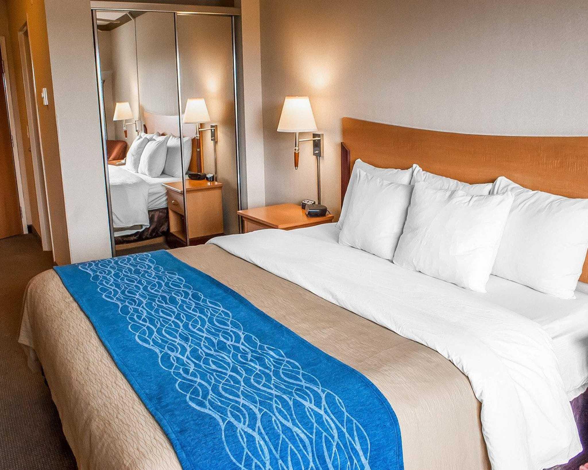 Comfort Inn Amp Suites In Ocean Shores Wa 98569