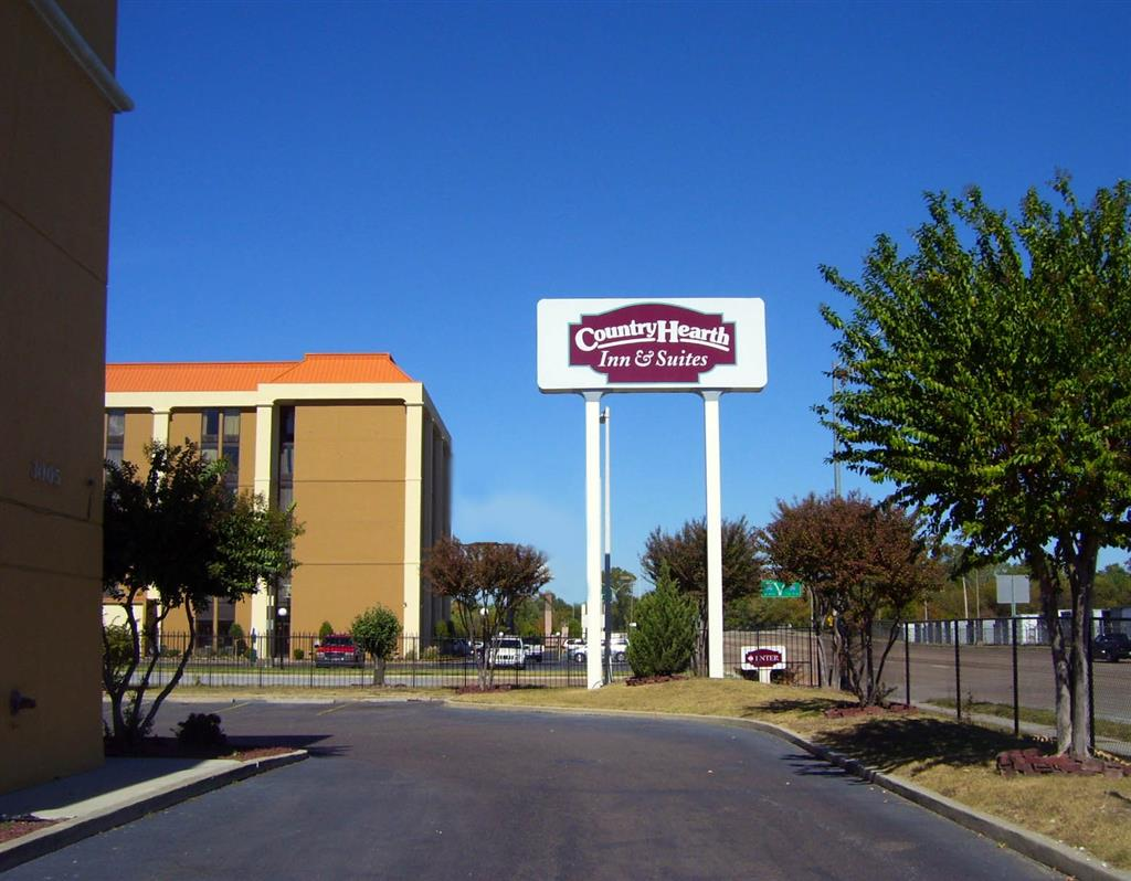 Country hearth inn suites memphis memphis tennessee for Motels near graceland memphis tn