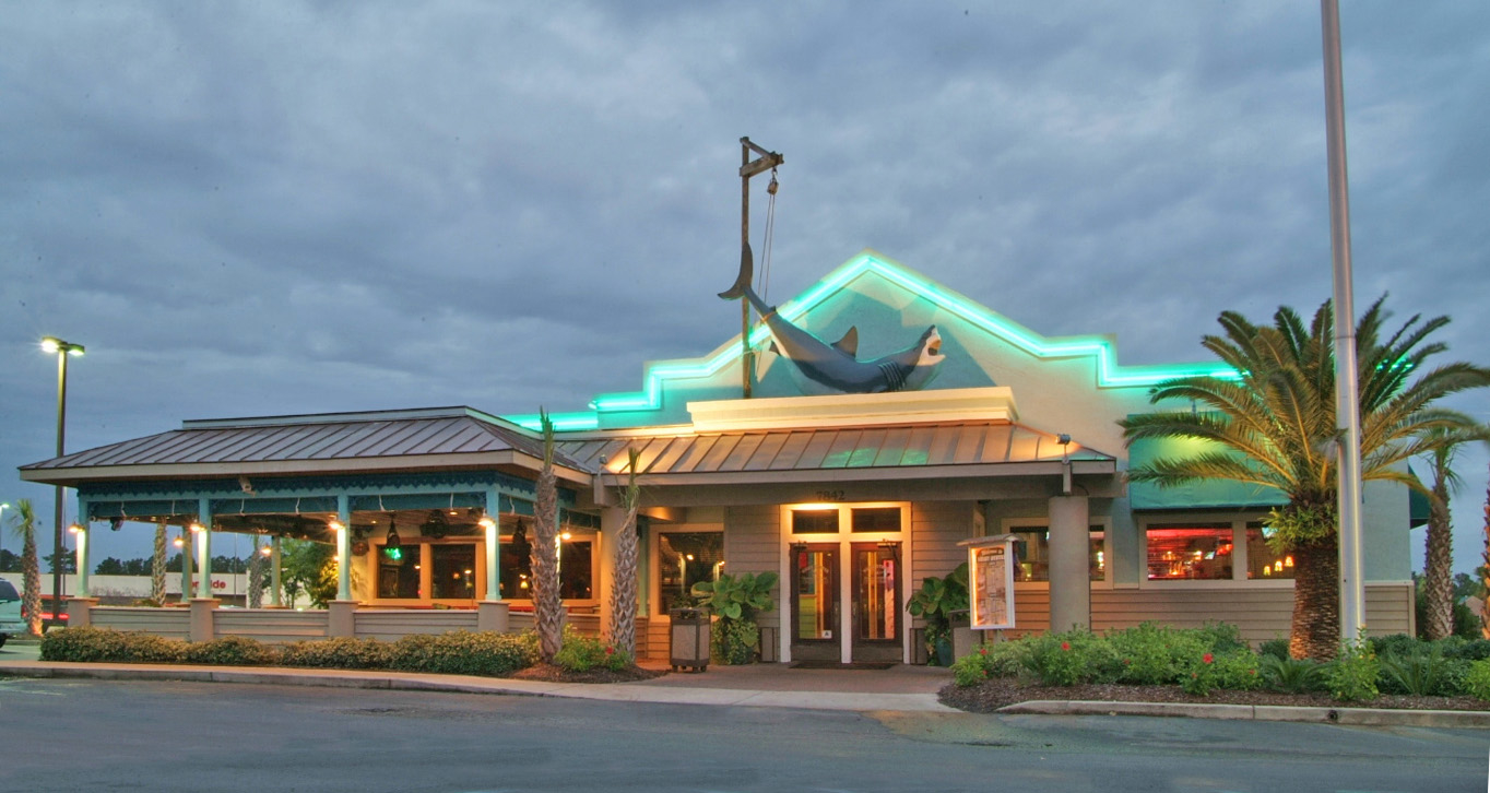 The noisy oyster seafood restaurant in north charleston for Fish restaurant charleston sc