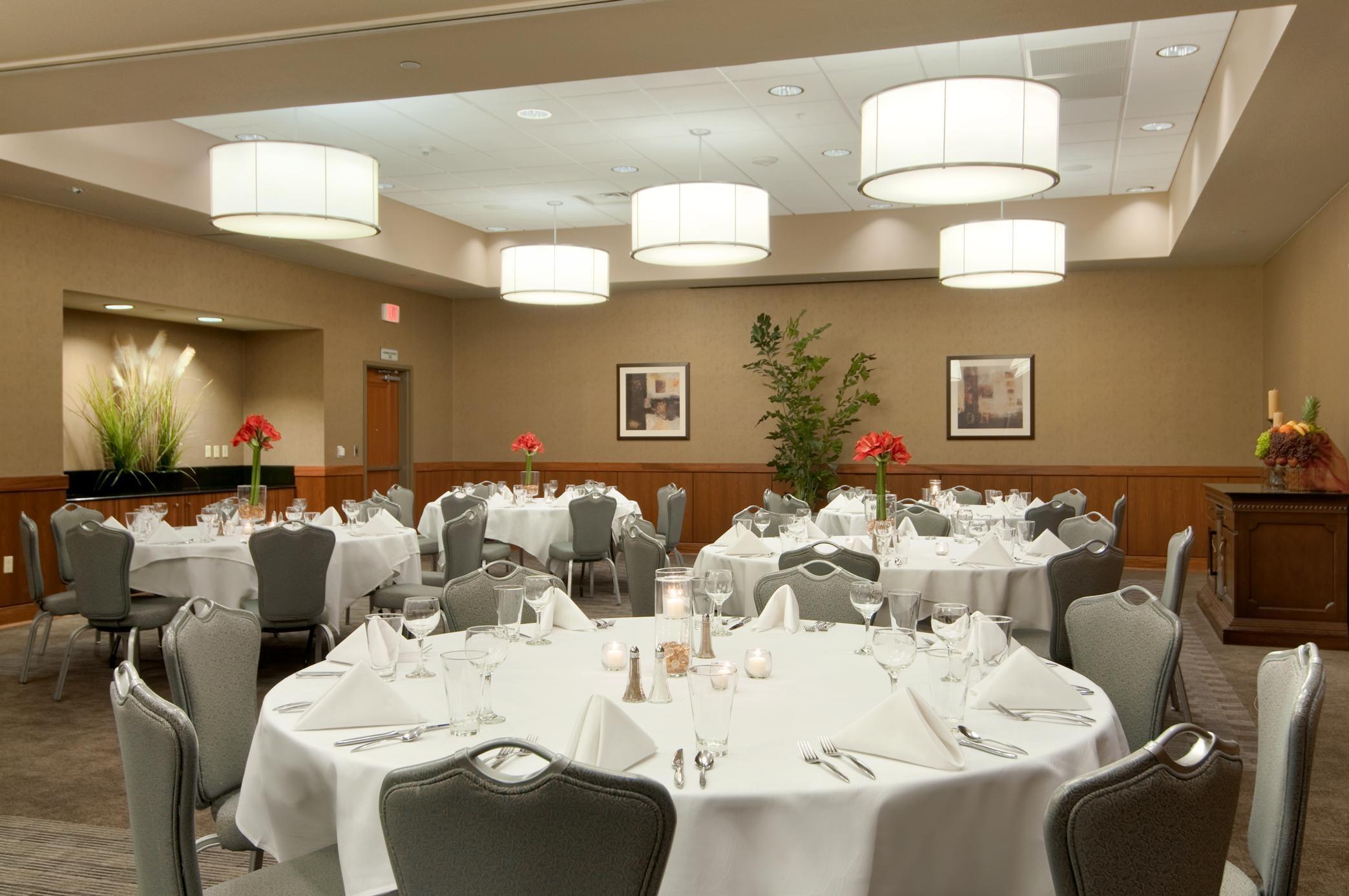 Sams Club Sunday Hours >> Hilton Shreveport, Shreveport Louisiana (LA) - LocalDatabase.com