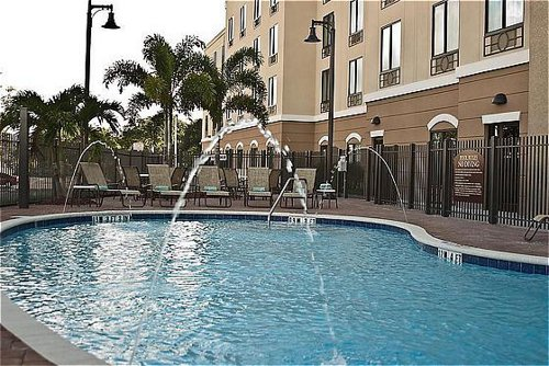 Holiday Inn Express Suites Tampa Usf Busch Gardens At