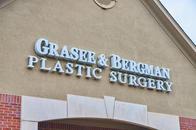 Exterior Carmel Cosmetic and Plastic Surgeons   Indianapolis, IN