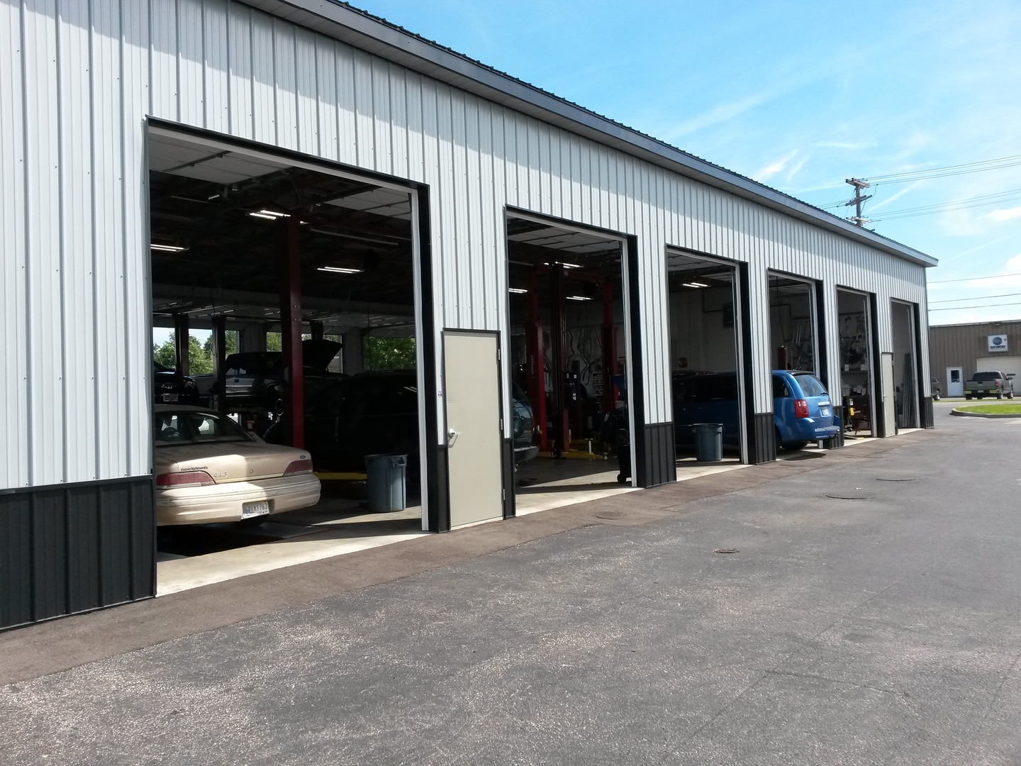 Quality automotive tire evansville indiana in for Wright select motors evansville in
