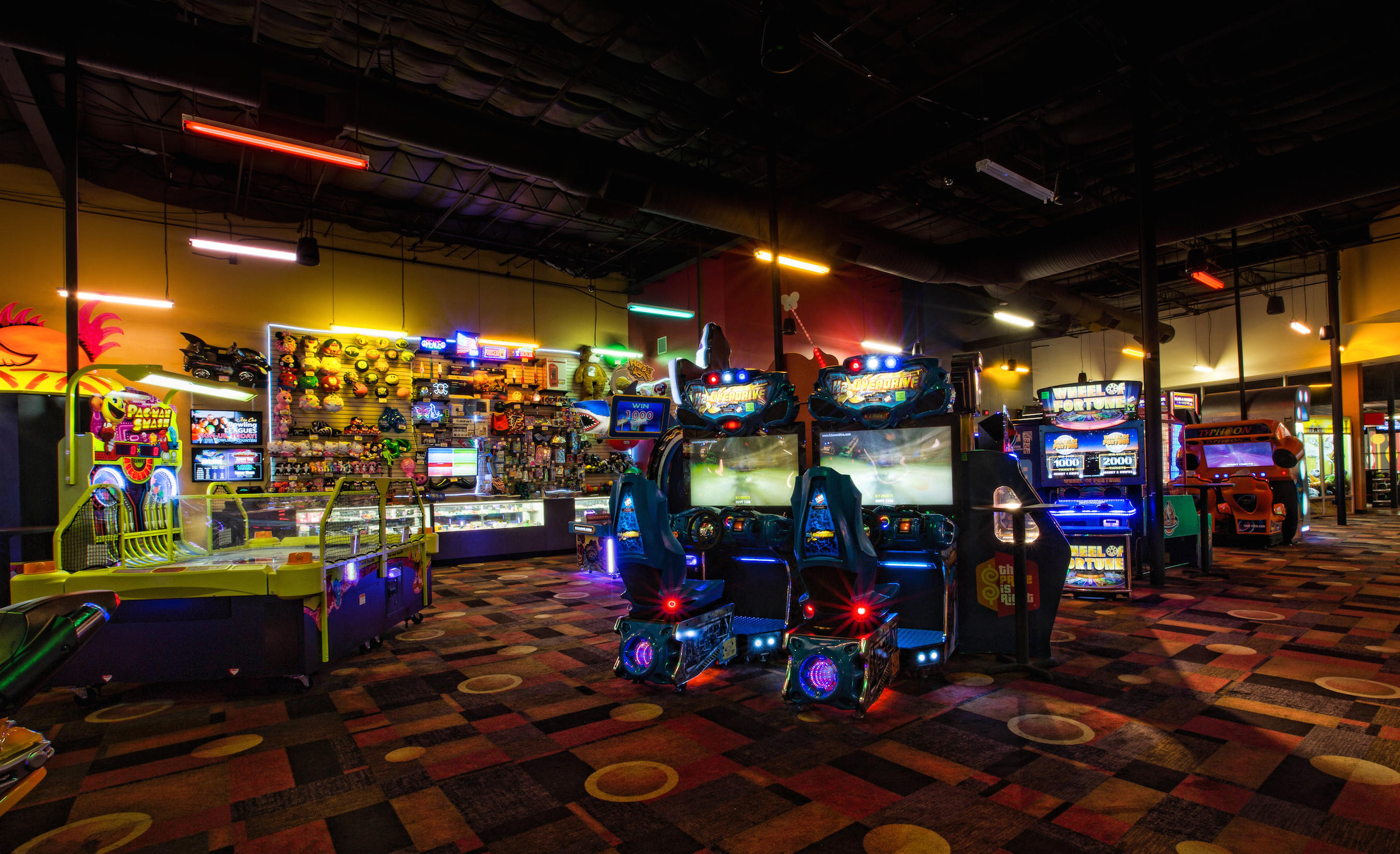 Stars and Strikes Family Entertainment Center, Sandy ...