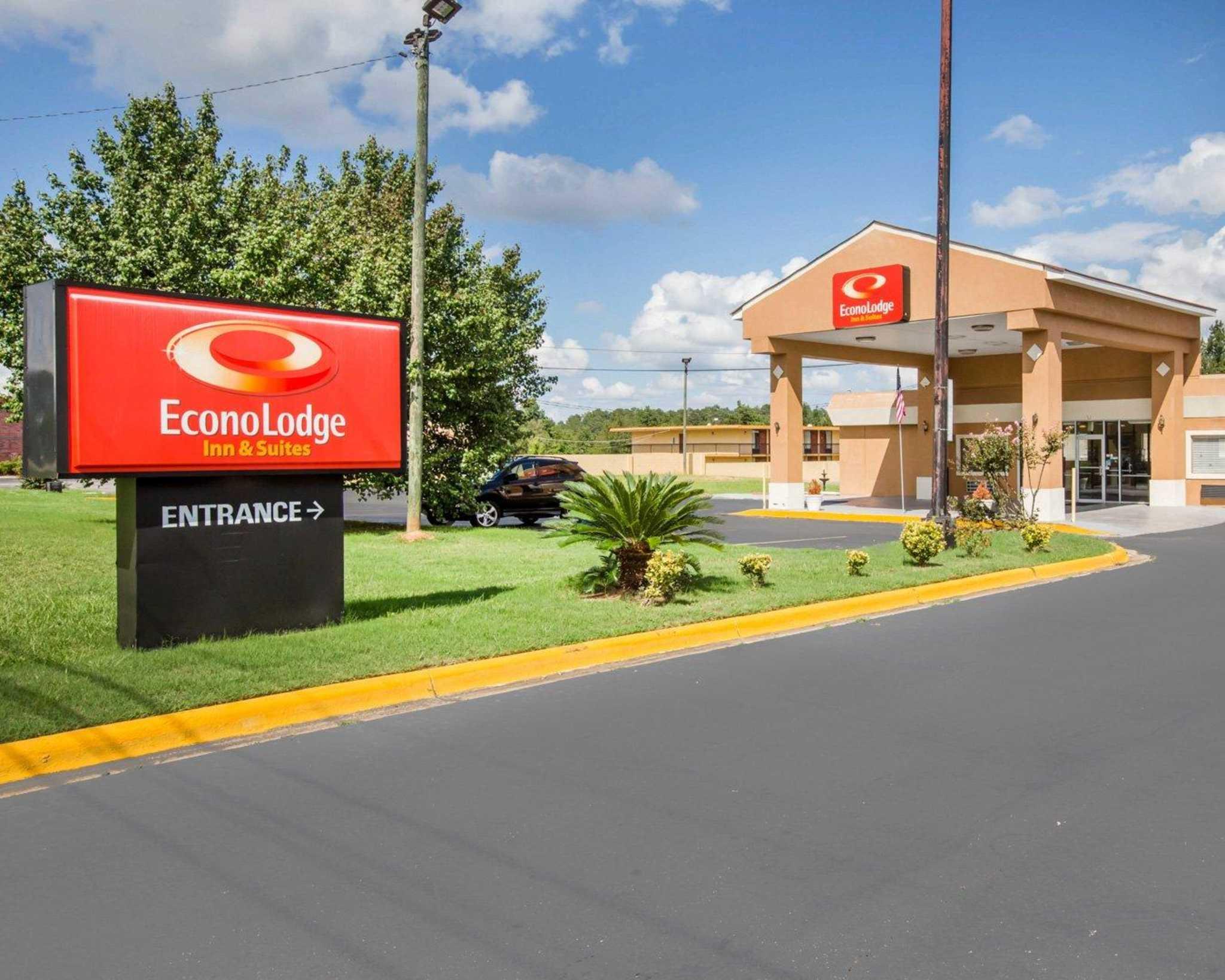 Econo Lodge Inn  U0026 Suites  Macon Georgia  Ga