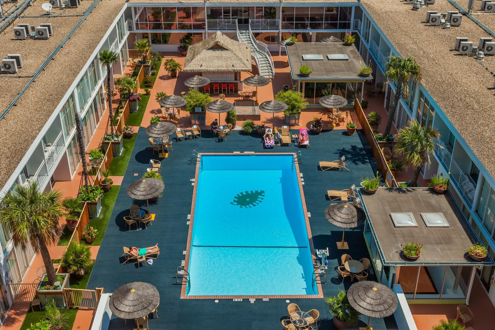 Hotels Right On The Riverwalk In San Antonio Tx