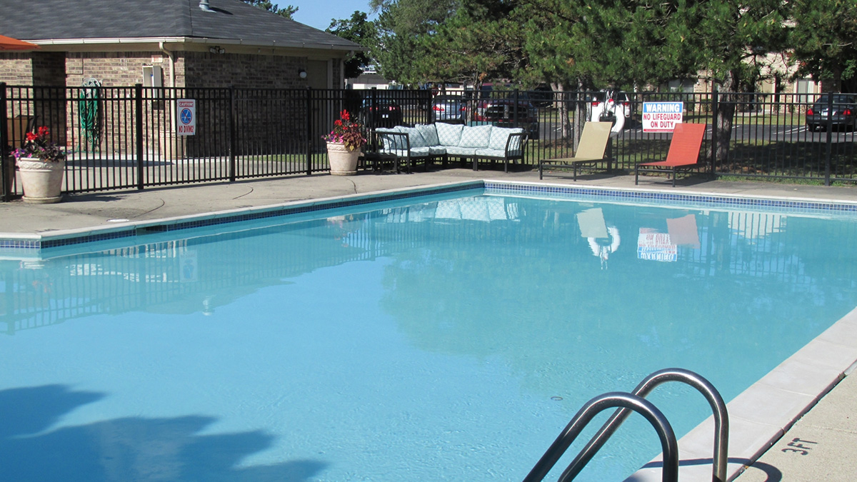 Canterbury park apartments in livonia mi 48152 Canterbury swimming pool opening hours