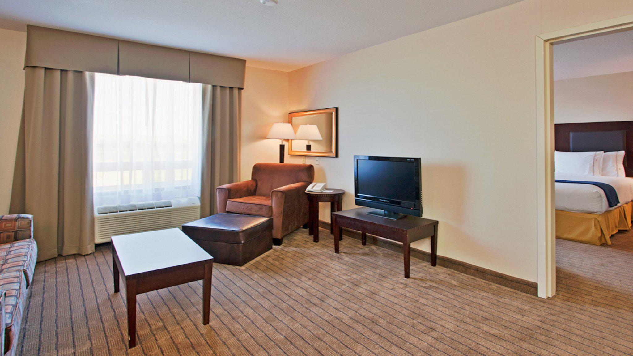 Images Holiday Inn Express & Suites Swift Current