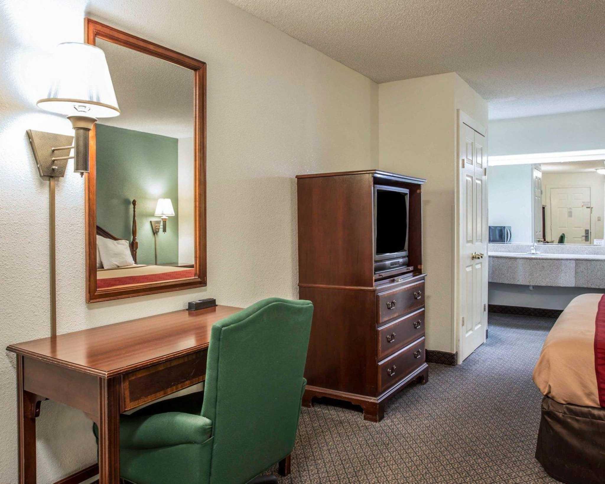 Hotel Rooms In Cornelius Nc