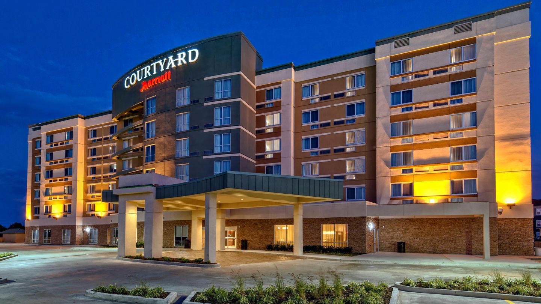Hotels In Westbury Long Island