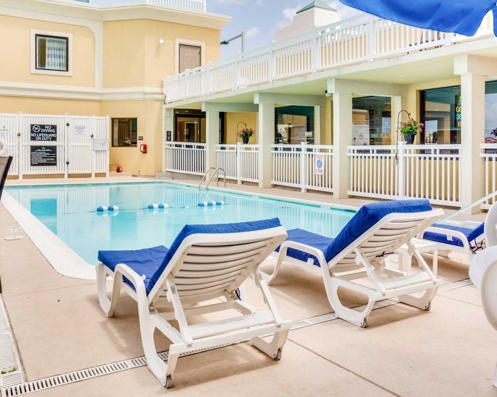 Clarion Inn And Suites Virginia Beach Reviews
