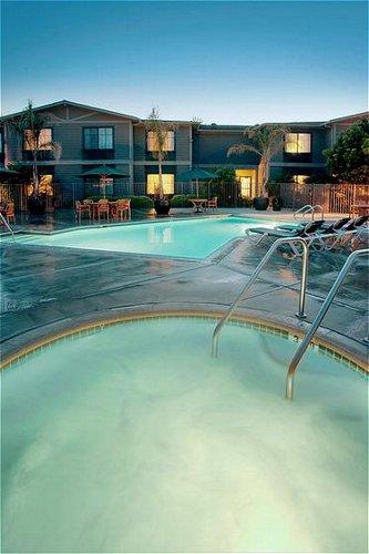 Holiday Inn Express & Suites Carpinteria image 4