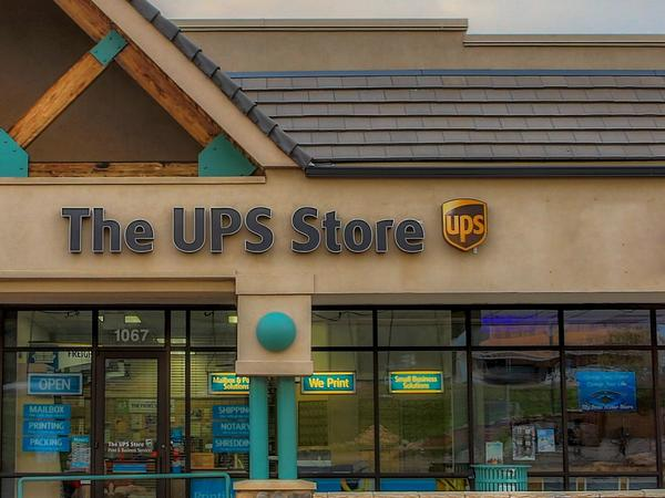 The Ups Store Woodland Park Shipping Packing Printing And