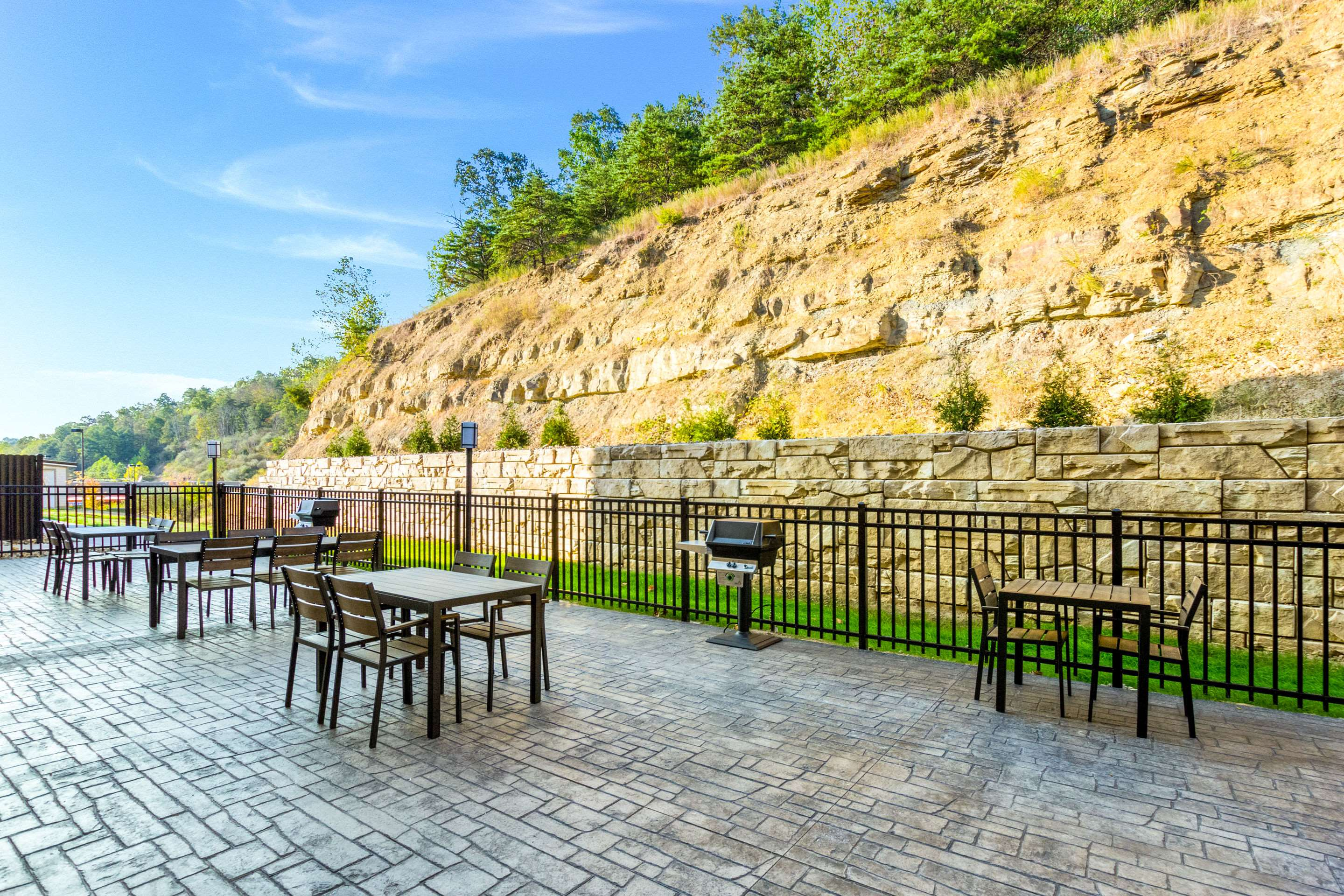 Mainstay Suites Winfield-Teays Valley