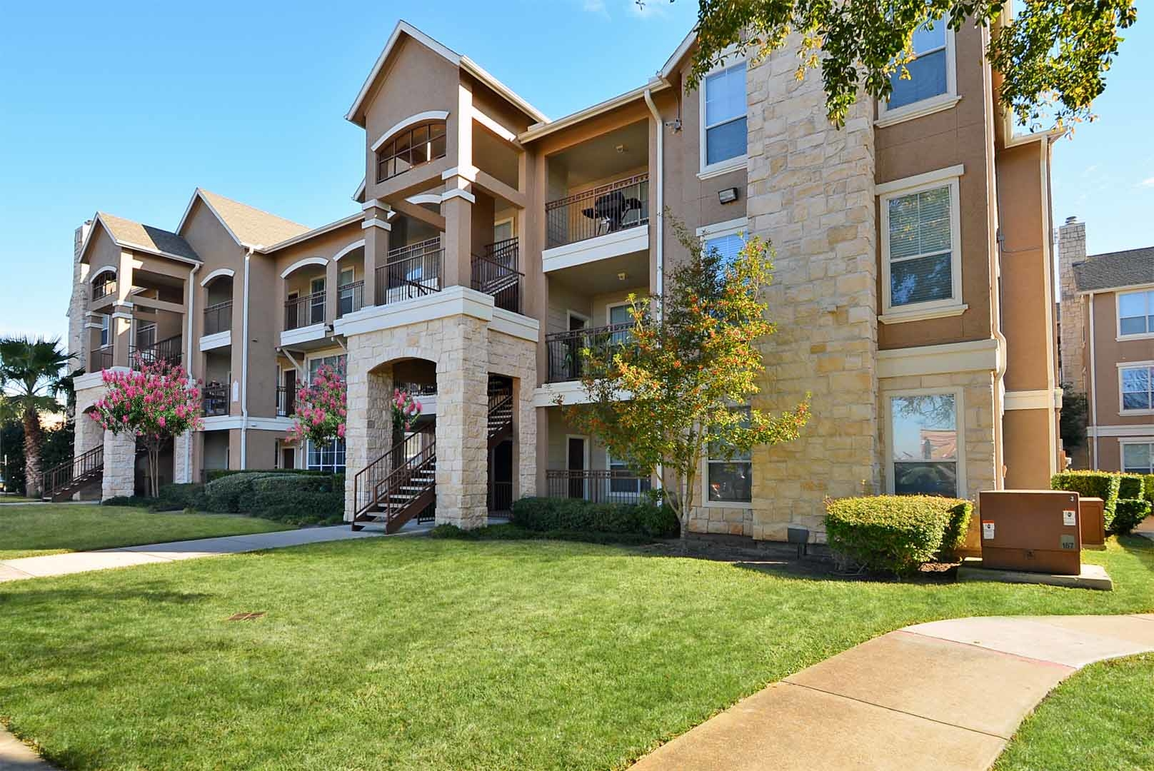 Retreat At Westpark Apartments In Houston Tx