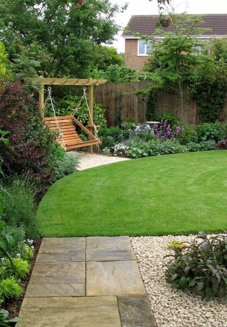 Top turf lawn care and pest management in lawrenceville for Best garden maintenance