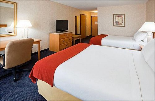 Holiday Inn Express Fargo-West Acres - ad image